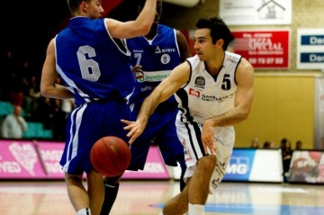 KIN Alumnus Alex Murphy Signs with Swedish Basketball Team