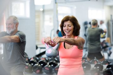 Study finds seniors stick with fitness routines when they work out together